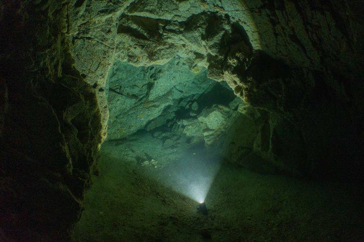 Blue Cavern (Catalina — 70fsw) & MolaMola!